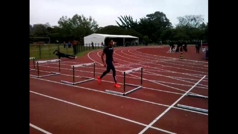 Franceza 100 mts com barreiras