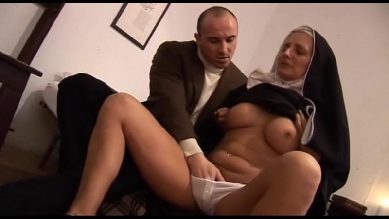 Порно видео ебать монашек