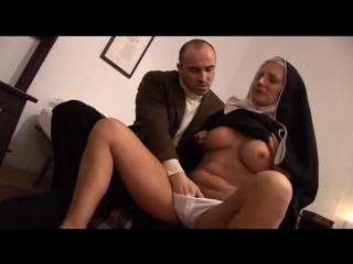 Монашку оттрахали порно