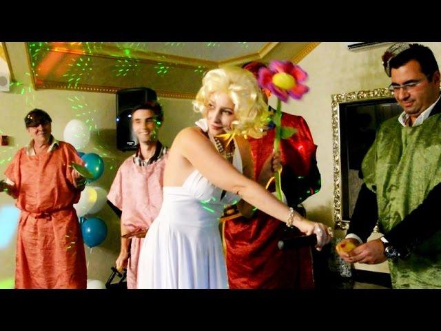 двойник Мерилин Монро на празднике - ведущая Ирина Мастеркова