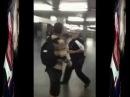 Vídeo mostra seguranças do Metrô agredindo e batendo de cassetete skatista no Centro de SP