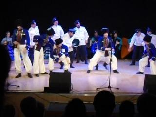 Удивительно красивый танец. Сколько в нем задору. Артисты этого коллектива отдавали всю свою душу, чтобы зритель был доволен. На