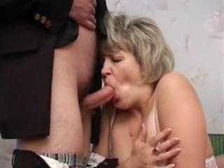 мачеху трахает в двоем порно