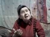 Мама поет песню про кошку и приют