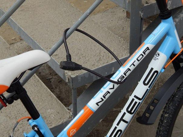 В Якутске подросток срезал трос и украл велосипед