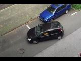 LiveLeak - Small car vs Big parking space