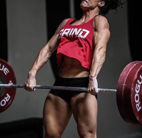 А теперь, о десяти, самых необходимых, витаминах для роста мышц.