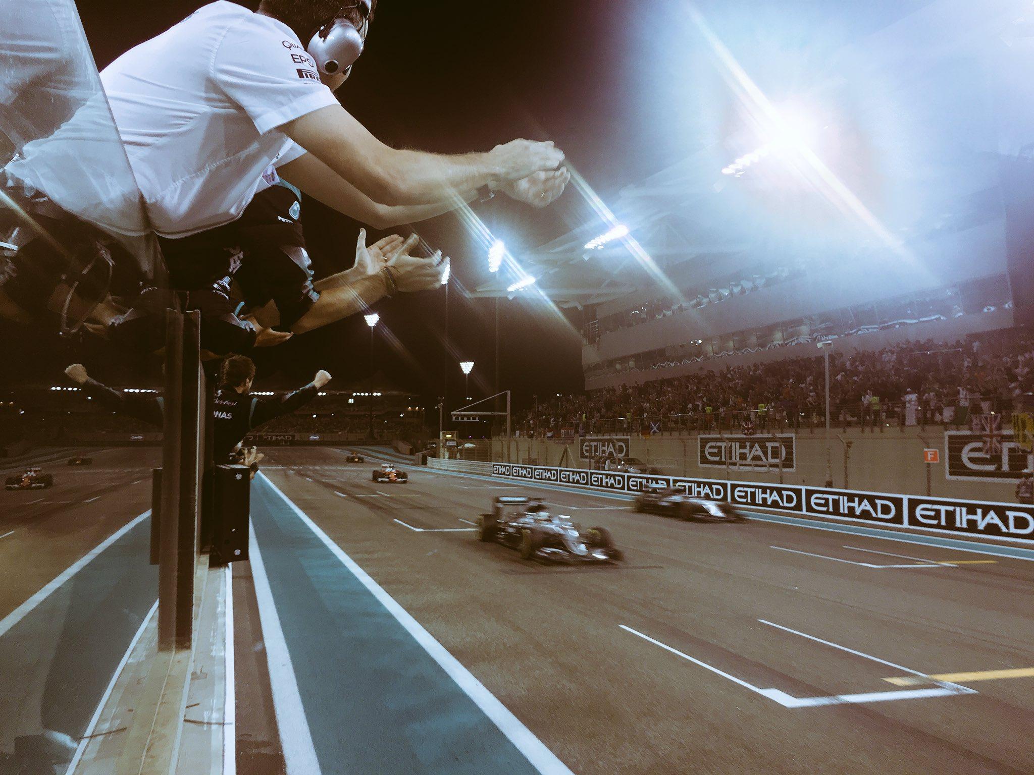 Финиш гран-при Абу-Даби сезона 2016 года
