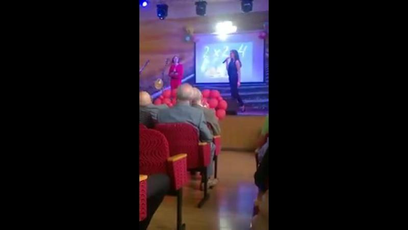 Алина Липовик и Александра Калабина