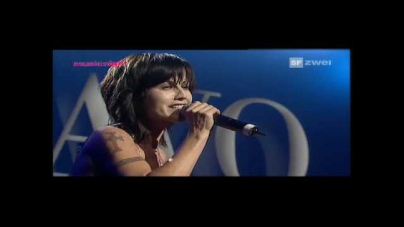 Dolores O'Riordan Cranberries Ode To My Family 2007 Basel Switzerland