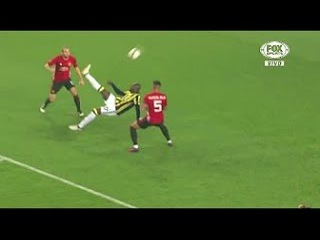 Moussa Sow Bicycle Kick Goal ~ Fenerbahce vs Manchester United 1-0