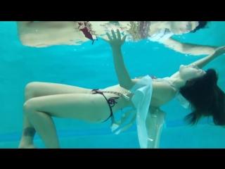 Beautiful Underwater Women.