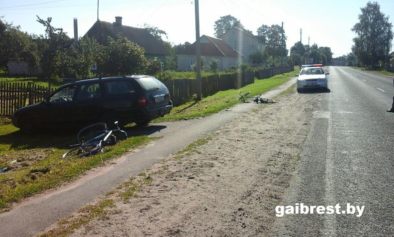 """Водитель выезжал """"задним ходом"""" со двора и сбил велосипедистку"""