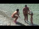 Две голые нудистки