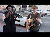 народ охренел. will.i.am подъехал и начал петь с уличным музыкантомstreet musicians