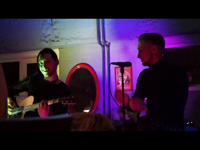 Тим Эрна (Asper X) и Филипп Август – Ты будешь гореть в аду (Brocard Cafe, 27.11.2015)