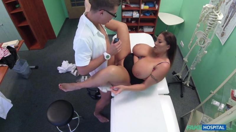 Laura Orsolya ( Babe wants cum on her big