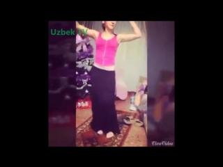 newmp3kz-Красивая Узбечка танцует (Янгиси Март 2015) - Арабский танец - O&