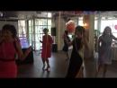 Счастливые мамочки, они же Горячие штучки репетируют свой первый и единственный танец! 👍