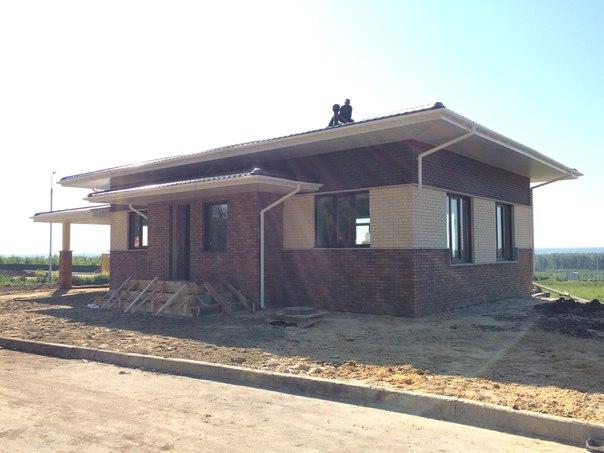 7 июня 2016. Завершено остекление дома.