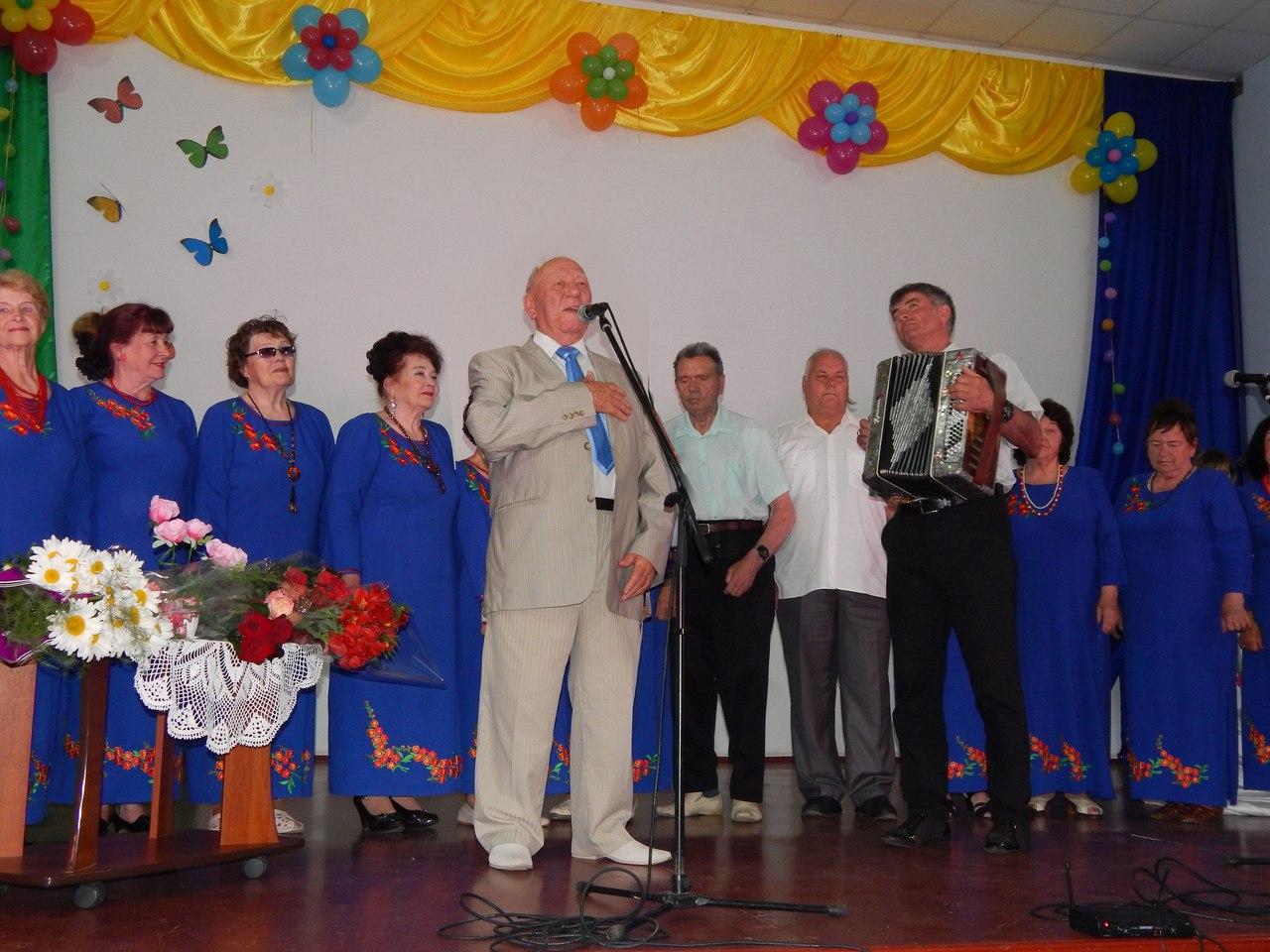 У Голій Пристані відбувся творчий вечір з Євгеном Чумаченко