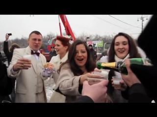 Сумасшедший свадебный сюрприз в Москве! Попробуйте не танцевать с ними! ))