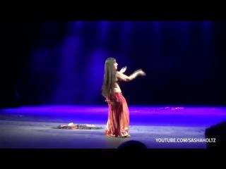 Sasha Holtz _ Tabla Shaker Drum Solo _ dança do ventre _ belly dance 241