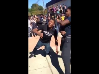 HIGH SCHOOL FIGHT ENDS WITH A FACEPLANT KNOCKOUT!