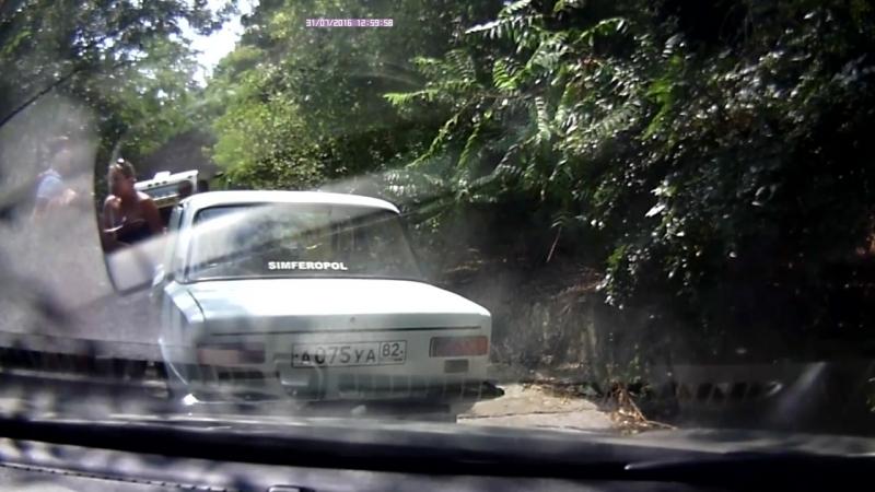 Беспредел москвичей на крымских дорогах 2016
