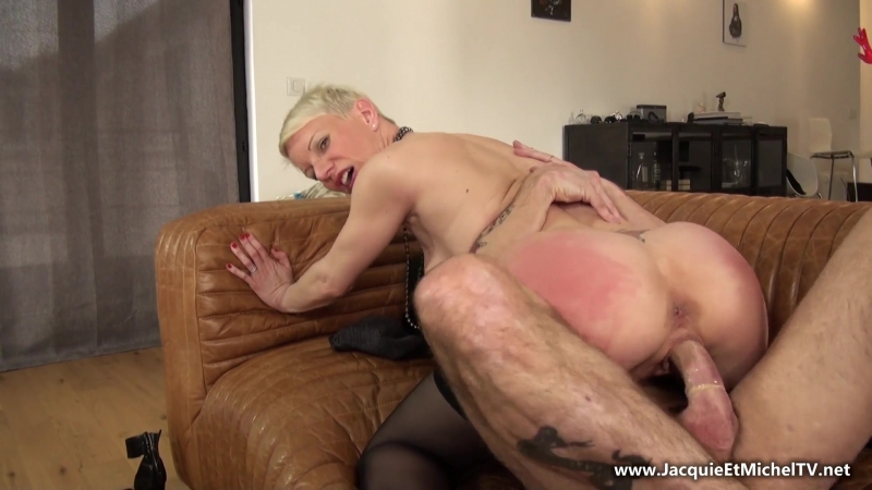 French milf cougar anal slut Mia 10. 7. 2016 big ass blonde shorthaired shaved pussy anus gape orgasm
