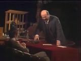 Александр Калягин (Ленин) и Евгений Киндинов (Арманд Хаммер) в спектакле МХАТ по пьесе М. Шатрова