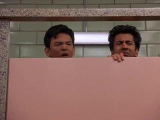 Ребята засели в туалете и слушали пердеж девок