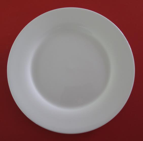 Столовая посуда тарелка в Омске