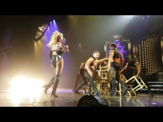 24.06.2016 - Britney Performs Do Somethin' - POM In Vegas