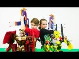 Блогеры ЮТЬЮБ Даня и Оля vs Игрушечные Роботы. Битва, пальба и игрушечное оружие