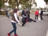 Битва мастеров кунг-фу, стиль обезьяны против стиля цапли