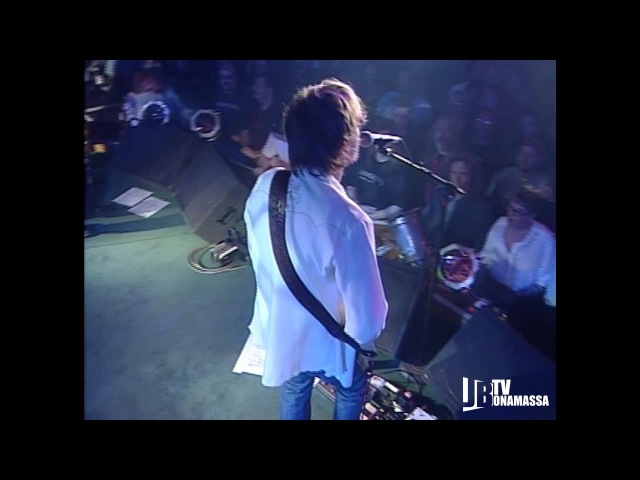 Joe Bonamassa - Colour Shape from A New Day Yesterday Live DVD
