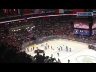 Хоккеисты сборной России, покинули лед во время исполнения гимна Канады