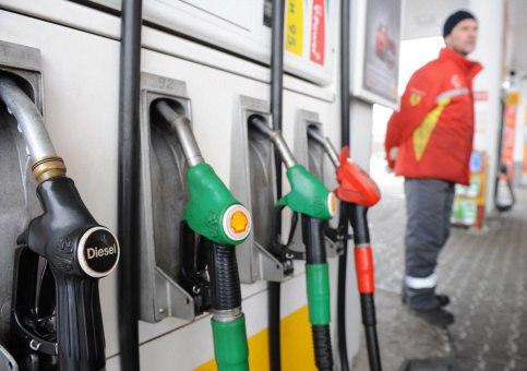 """""""Рост цен на бензин будет, но в пределах инфляции"""", –прокомментировал новость об увеличении акцизов на дизельное топливо и бензин Российского топливного союза Евгений Аркуша."""