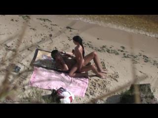 скачать бесплатно нудистов на пляже