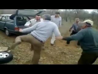 Tayyip'in Götünün Kılıyım + Hüloğğğğğ ( Remix )