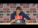 Слезы Икера Касильяса на прощальной пресс-конференции в составе Реал Мадрид