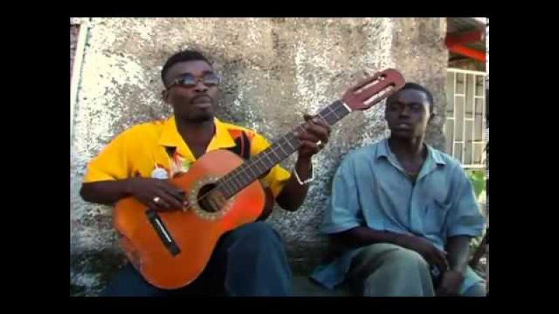 Классная игра на гитаре с одной струной