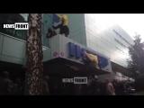 Киев. Здание телеканала «Интер» заблокировано представителями радикалами из «Азова»