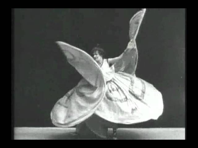 Serpentine Dance by Lina Esbrard (1902) by Alice Guy