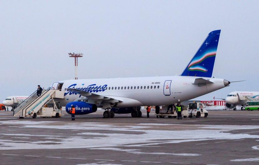 В аэропорту Санкт-Петербурга после посадки задымился самолет из Якутска