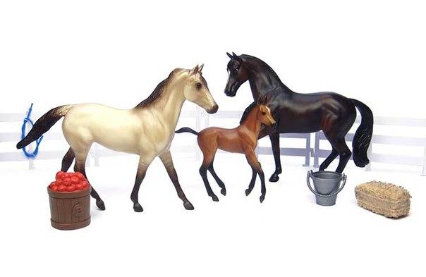 Игровые фигурки Набор Семья спортивных лошадей, Breyer