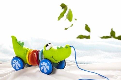 Деревянные игрушки Каталка Крокодил, Wonderworld