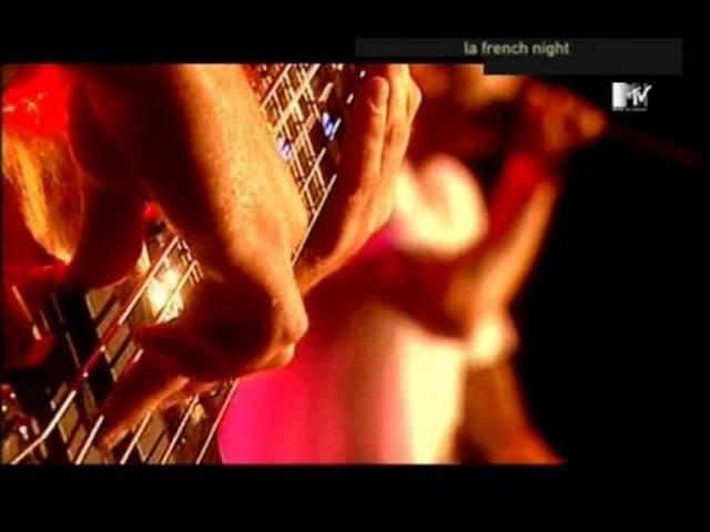 Limp Bizkit - Take a Look Around [Live @ Finsbury park - London] Good quality!