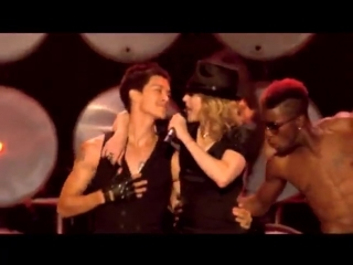 Madonna feat. Gogol Bordello - La Isla Bonita/Lela Pala Tute